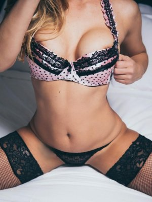Rebecka live escorts