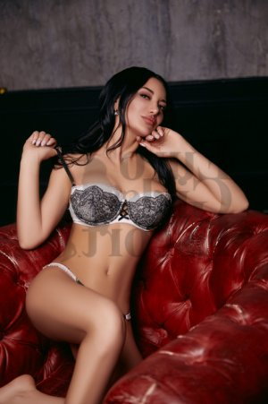 Aryelle escort girl in Ridge