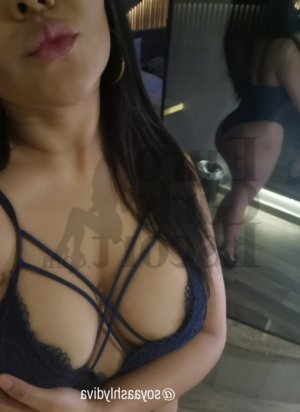 Roxanna escort girl in North Babylon