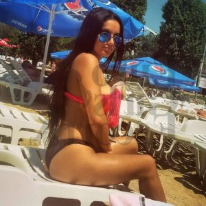 Azna escort girl
