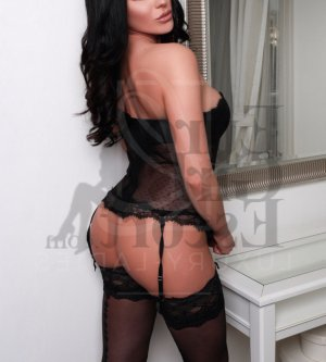 Valérie-anne escort girls in Brownsburg