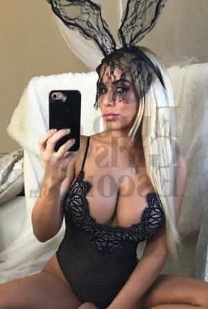 Amenie escort in Ilion NY