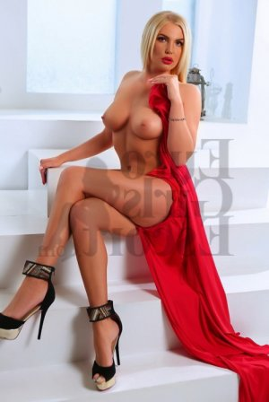 Emily-rose escort girl in Parkersburg West Virginia